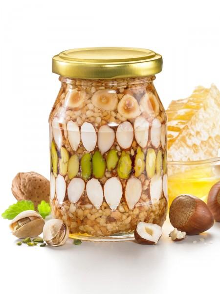 Orientalische Nüsse in Honig