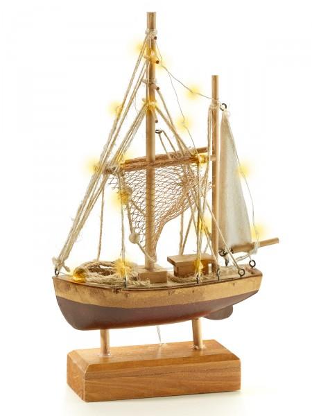 Beleuchtetes Fischerboot